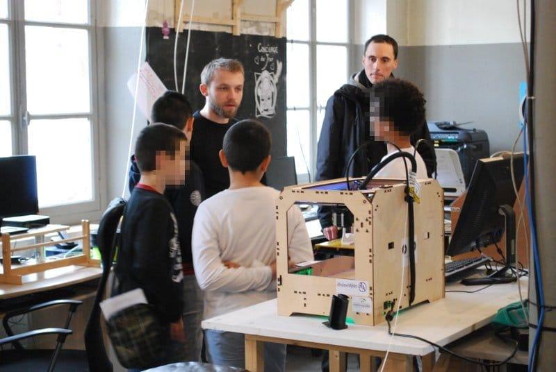 Café Cyber à l'Openfactory pour des enfants du collège Marc Seguin de Montreynaud